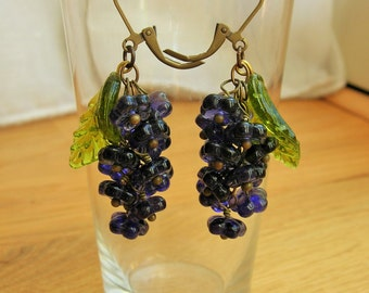 Violet purple flower earrings, 30's 40's inspired czech glass flower earrings.