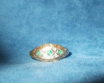 Solid 9k yellow gold genuine emerald ring size 7.5