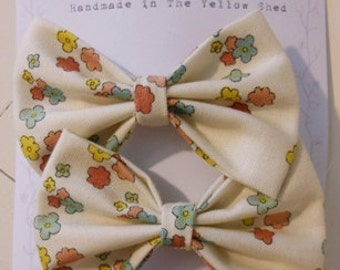 Set of 2 Fabric Hair Bow Clips, Cream with Flowers