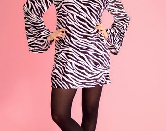 Vintage 70s  mini velvet dress// zebra print black and white// hippie style