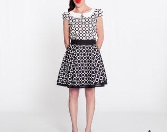 Pop Dress, polka dot retro dress made of 100% cotton. Mod dress Baby Doll style, Peter Pan collar, mini A line lolita dress in B&W, 1950s