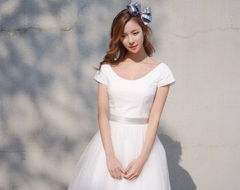 Emily - Vintage Inspired Ivory Tulle Wedding Dress Bridal Gown Tea Length Cap Sleeves Dress