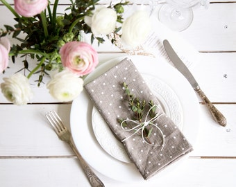 Easter Napkins set of 6 with Polka Dots - Dinner napkins - Wedding napkins