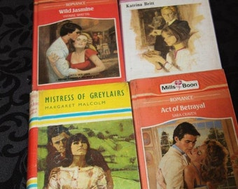 Vintage Mills & Boon! 4 cool old books