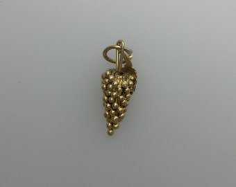 18ct Gold Grape Vine Charm
