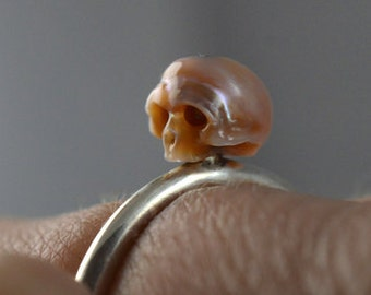 Carved Pearl Skull Ring on Sterling Silver Band - Pink Pearl Ring - Skull Jewelry - Handmade Ring - Gift - Statement Ring- Unique Gift