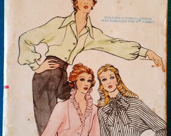 """Vintage early 1970's blouse with dolman sleeves sewing pattern - Vogue 8388 - size 14 (36"""" bust, 28"""" waist, 38"""" hip) - around 1972"""