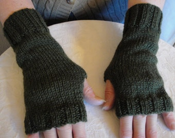olive green mitts, wool texting gloves, fingers free mitts, hand knitted wool mitts, green handwarmers, dark olive mitts, warm wristers