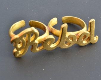 Double finger brass ring