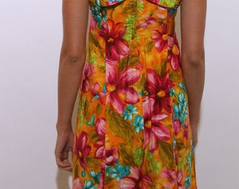 60s Hawaiian floral dress colorful orange pink green blue bow embellished pleated sleeveless fitted shapely printed flower S M