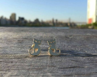 CAT EARRINGS # 4!!  Earrings, Cat Lovers, Stud Earrings, Jewelry, Cute Earrings, Gold Earrings, Pawies, PawiesAnimalLovers