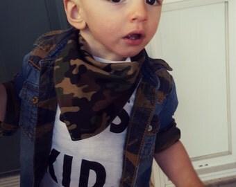Bandana Bib/ camoflauge bib/ bibdana/ army bib/ army bibdana/ baby boy bib/ green bib/ trendy baby bib/ boy bibdana/ modern baby bib - Camo