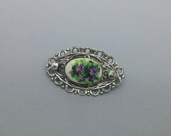 Tiny Vintage Needlepoint Flower Pin