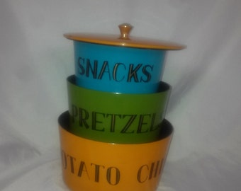 Mid Century Vintage Colorful Nesting Snack Bowls