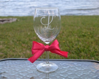 Personalized Etched Wine Glass, Customized Wine Glass, Birthday Gift, Housewarming Gift, Sorority Gift, Bridesmaid Wine Glass, Bridal Part