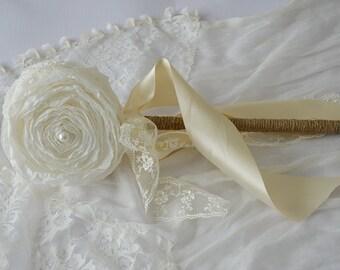 Flower Girl Wands - Flower Girl Wand - Elegant Flower Girl Wand - Flower Girl Bouquet - Princess Wand - Birthday Wand - Paper Flower Wedding