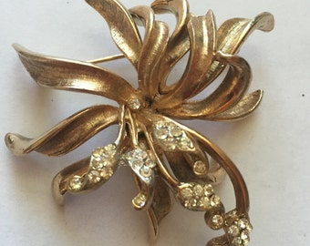Vintage Clear Rhinestone Elegant Flower Pin Brooch BSK