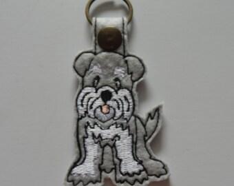 Schnauzer (Embroidery/Felt/Keychain)