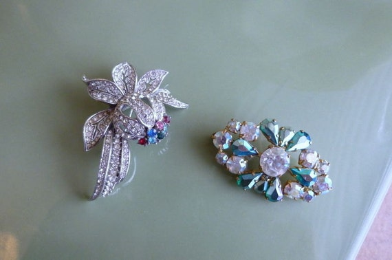 2 Lovely vintage 1950s Art Deco AB rhinestone brooches