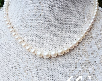 Graduated White Freshwater Pearl Necklace 17″