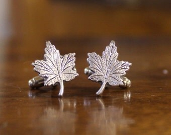 Maple leaf cuff links, Toronto Canada Cufflinks