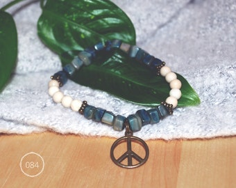 Fossil beads of semi-precious stones bracelet