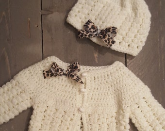 Tiger knitted set.