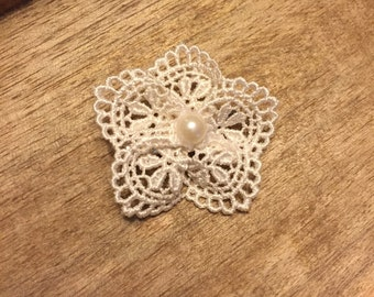 Lace flower hair clip• Handmade