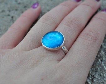 Turquoise Glass Ring. Statement Ring. Decorative Band. Size 7