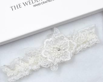 Wedding Garter, Bridal Garter, Ivory Garter, Cream Wedding Garter, Ivory Wedding Garter, Wedding Garter, Floral Garter, Rustic Garter