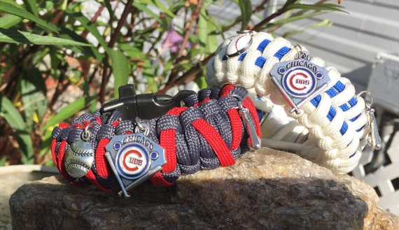 Chicago Cubs Paracord Bracelet,Cubs charmed,stainless steel metal silver buckle ,porcelain enamel charm