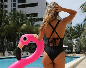 Swimsuit // bathing suit // black // bikini // one piece swimsuit // one piece swimsuit woman // bathings suit woman // black swimsuit