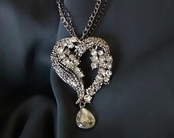 Rhinestones heart pendant necklace