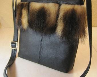 Black leather handbag with fur inlay - Leather bag Black handbag Black leather bag Crossbody bag Black crossbody bag Shoulder bag