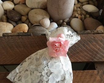 10 Ivory Lace Favour Bags with Pink Flowers