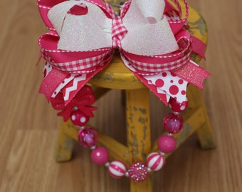 Pink and White Necklace and Bow Set