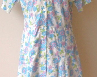 1970s Dagger collar button down dress size 14