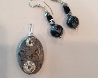 Wire Wrapped Earring & Pendant set