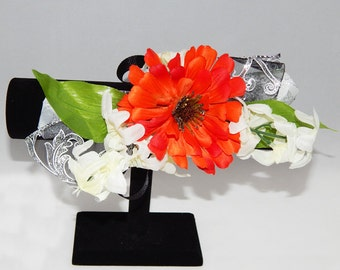 Orange Burst Daisy Flower Corsage