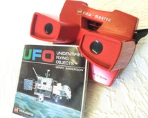 GAF VIEWMASTER Original Red 3D Viewer with Rare UFO Gerry Andersons' Unidentified Flying Objects 3 Disk Set 1970s Gaf View Master