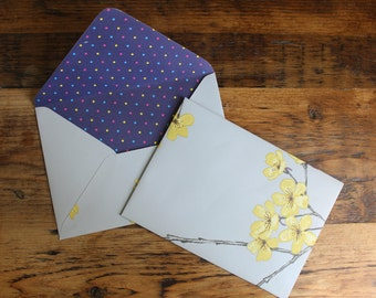 Handmade Envelopes wedding: lined, vintage, country style, soft-grey, yellow flowers, wedding invitations, save the dates, gift. Pack 5/10