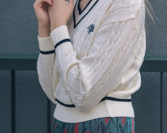 Vintage V-neck cableknit sweater / Vintage school jersey / Japanese schoolwear / Vintage Japanese school sweater / Cream and navy / Size S/M