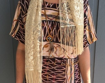 Vintage 70's Victorian Inspired Beige Lace Scarf with Fringe