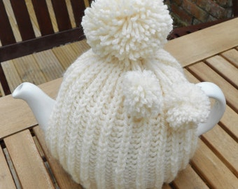 Knitted tea cosy for 4-6 cup pot other colours available. Hand knitted