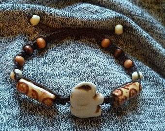 Howlite Elephant Hemp Bracelet