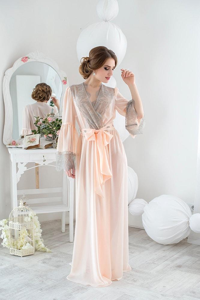 bridal robe Style 1618...