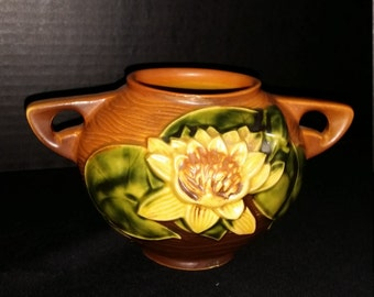 Vase 1943 Roseville Water Lilly Brown Two Handled