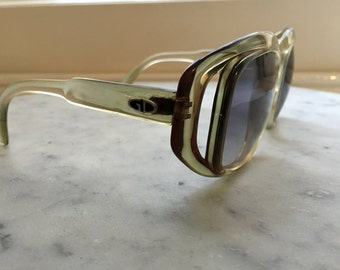 VINTAGE SUNGLASSES - BEAUTIFUL Clear Green with grey Lense