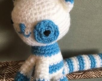 Crochet cat - blue and white