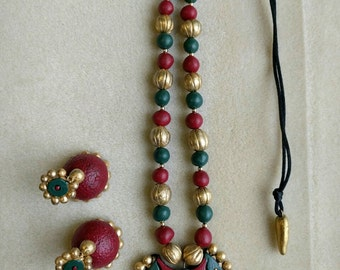 Red and green terracota jewelry